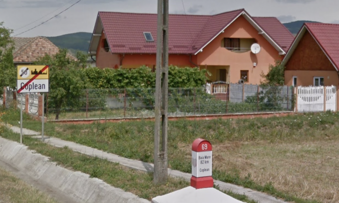 screenshot of the edge of a Romanian town in Google streetview